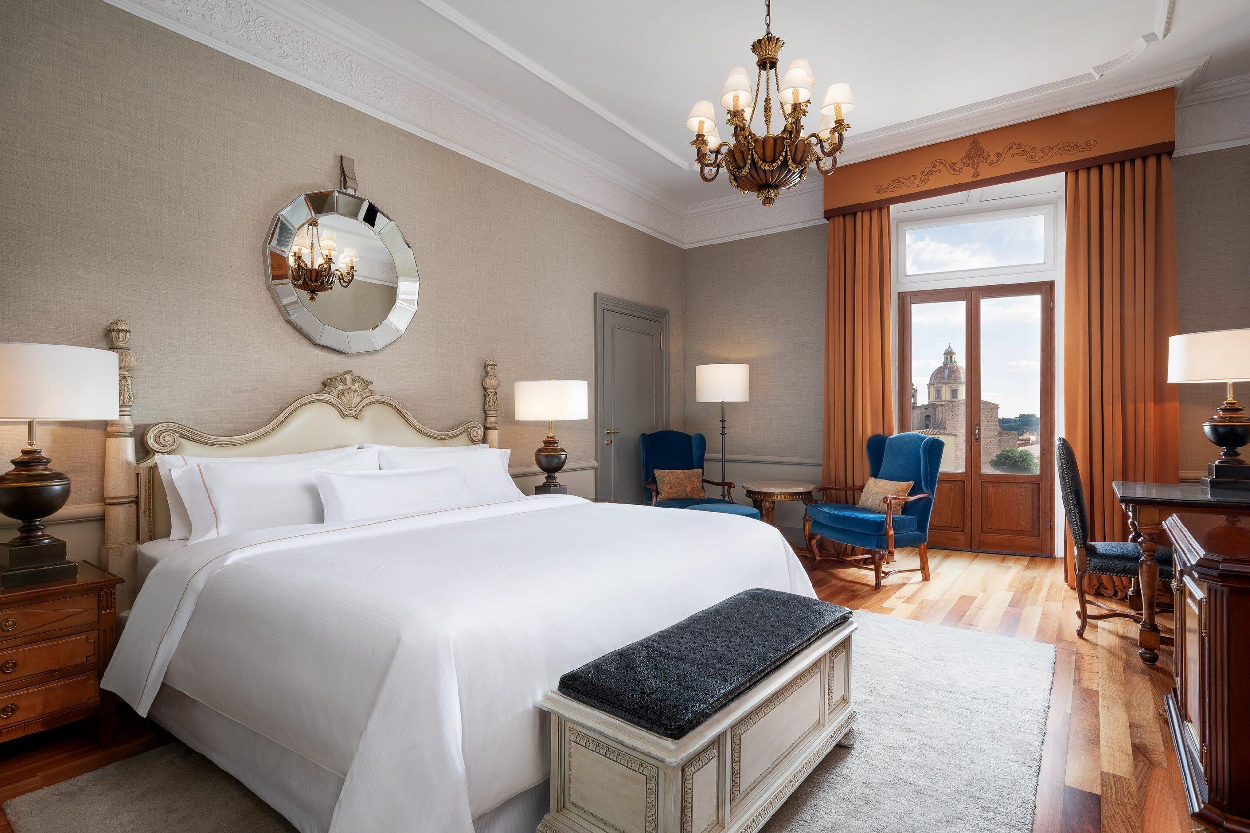 flrwi-king-guestroom-5983-hor-clsc